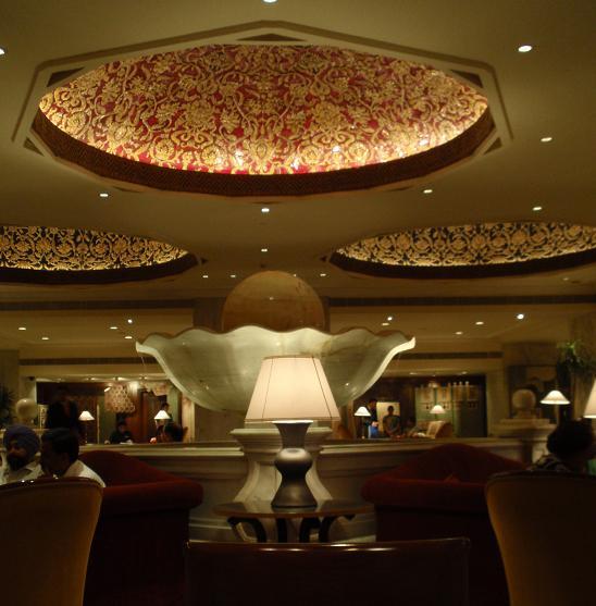 タージマハルホテルロビー2.JPG