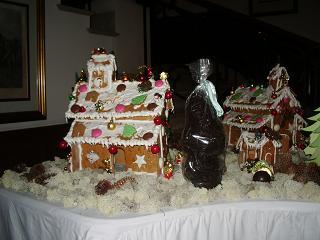 クリスマス お菓子の家.JPG